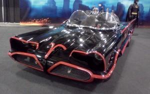 1960s_Batmobile_(Ottawa_Classic_&_Custom_Car_Show_'13)